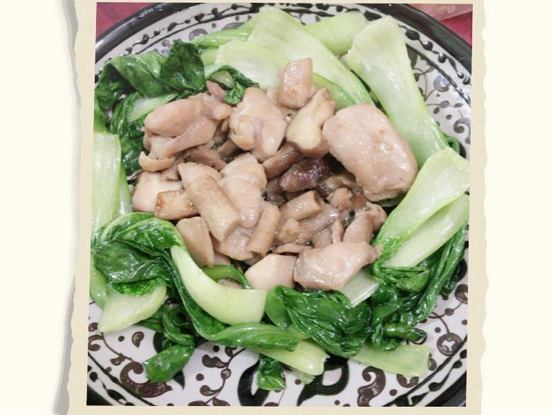 炒雞肉拌香菇佐青江菜