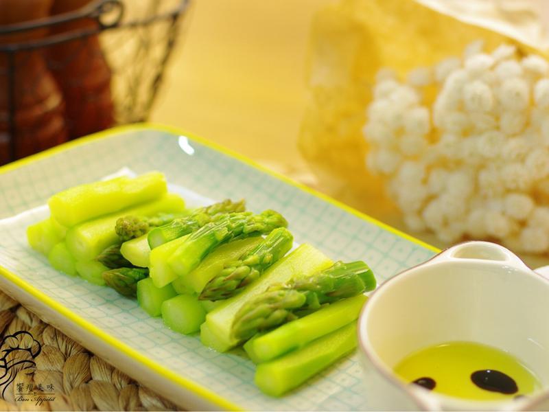 饗瘦美味-巴沙米可醋佐蘆筍