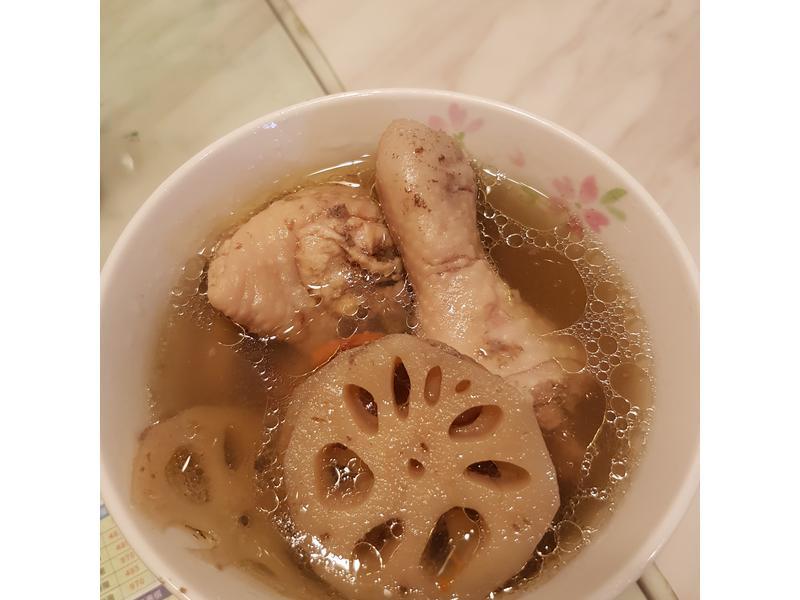 蓮藕蒜香雞湯