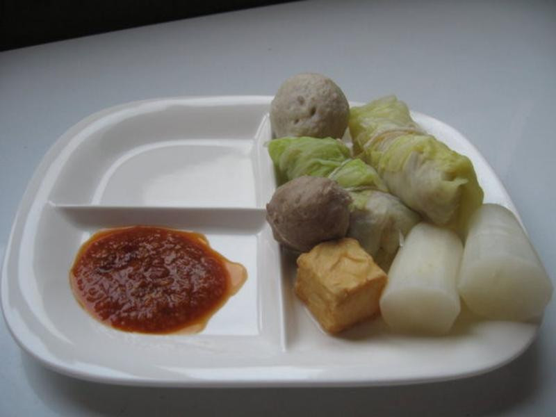 高麗菜捲及關東煮沾醬