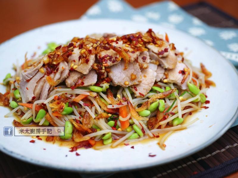 《黑豆芽櫻花蝦豬肉沙拉》