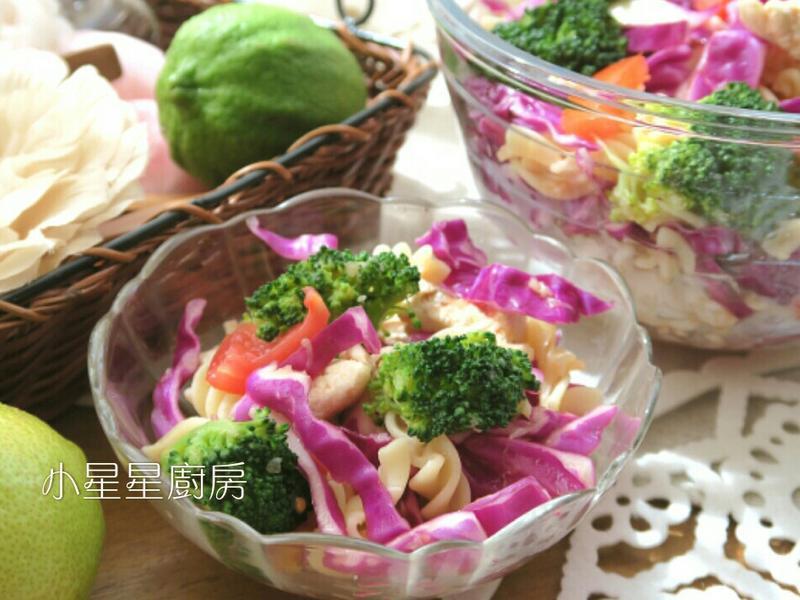 雞肉螺旋麵水果沙拉