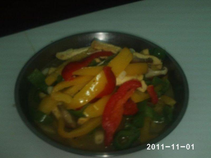 絕代三椒炒臭豆腐