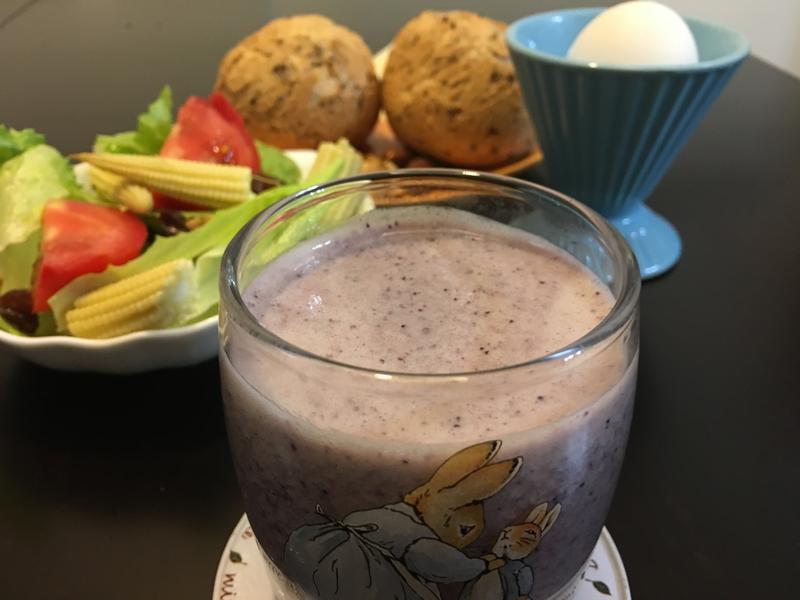 香蕉藍莓優酪乳