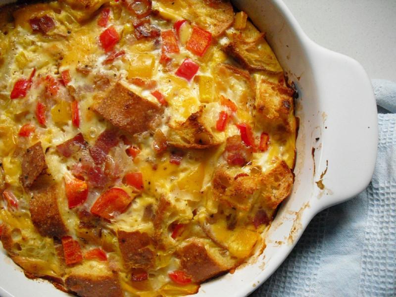 懶懶假日的早午餐 - 培根麵包蛋奶烤
