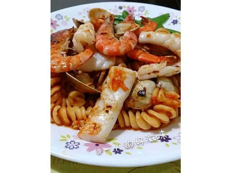 海鮮肉醬義大利麵