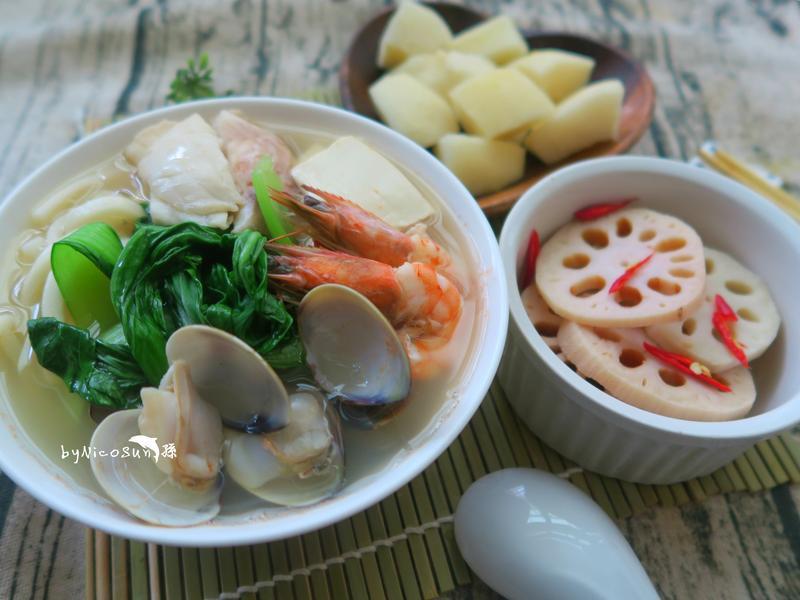 海鮮豆腐鍋燒麵+涼拌蓮藕+水梨