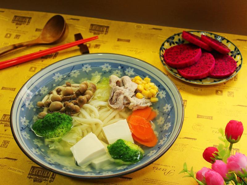 鮮蔬湯烏龍+火龍果