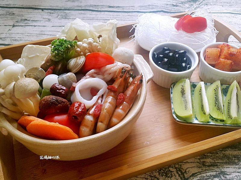 秋季微補紅番茄海鮮鍋
