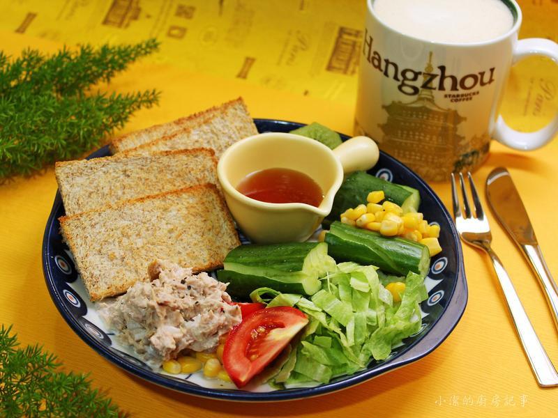 鮪魚生菜沙拉佐油醋醬