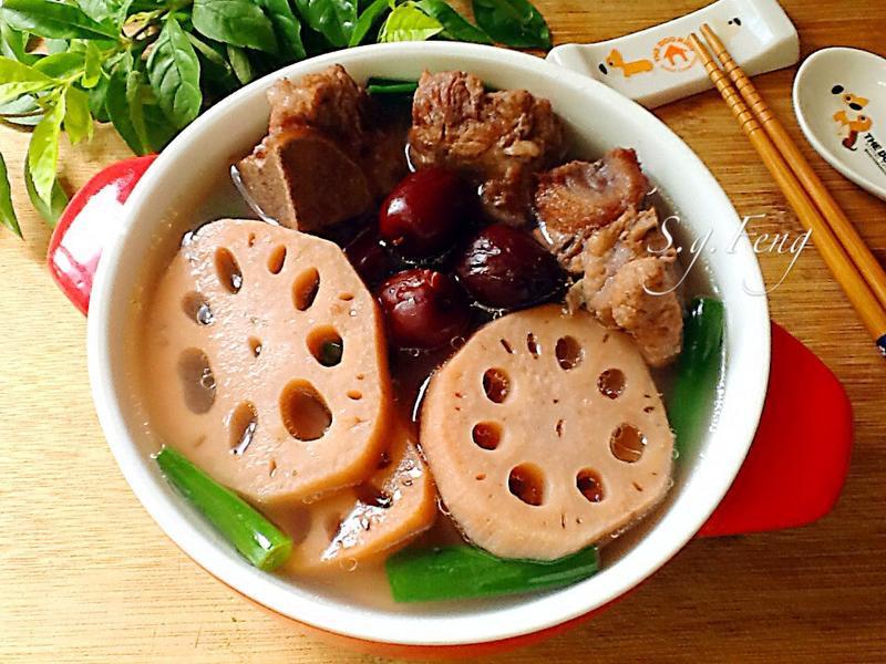紅棗蓮藕排骨湯