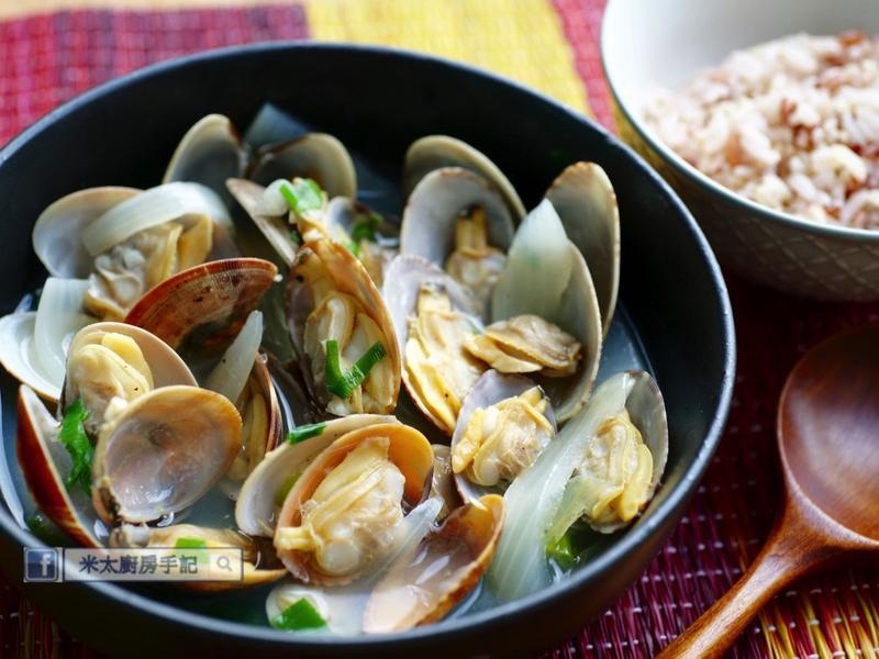 《韓式蛤蜊鍋》