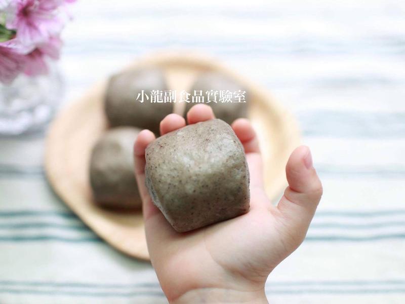 寶寶食譜【芝麻小饅頭】