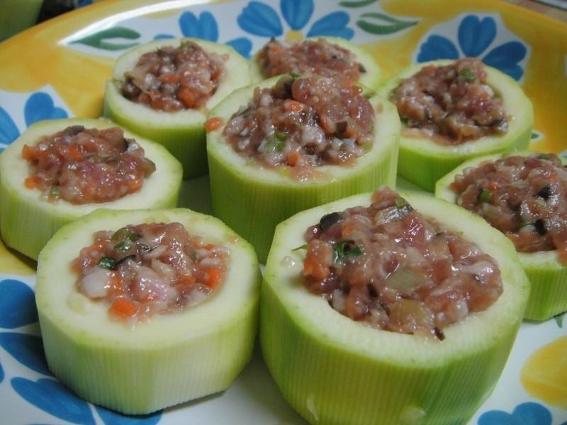 愛蜜莉廚房:大黃瓜鑲肉