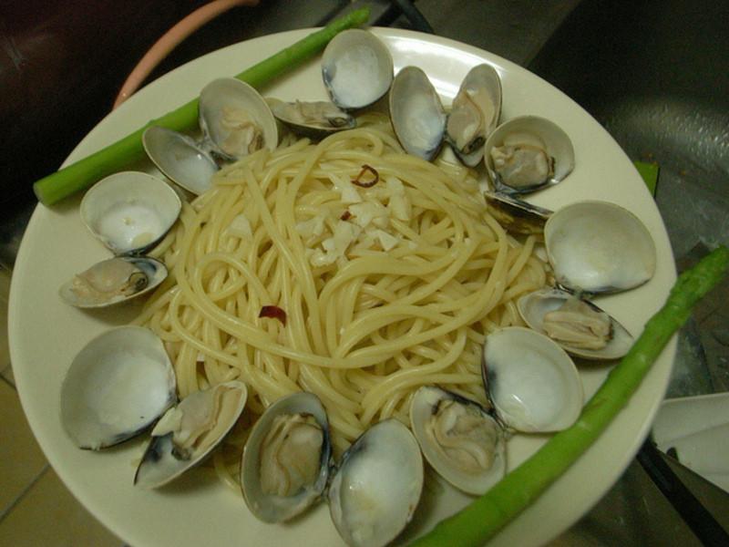 蒜炒白酒蛤蠣義大利麵