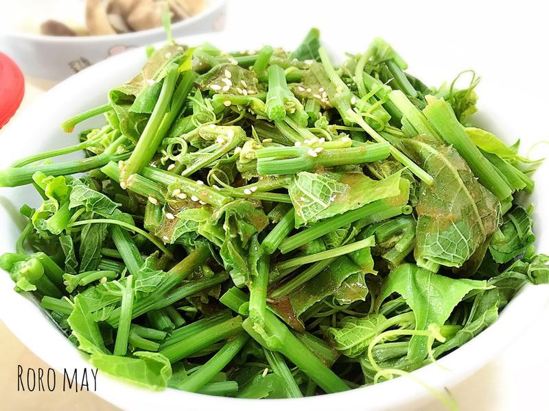 和風胡麻醬龍鬚菜沙拉(附沙拉醬做法)