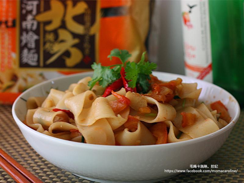 蒜香辣味鯷魚乾拌麵