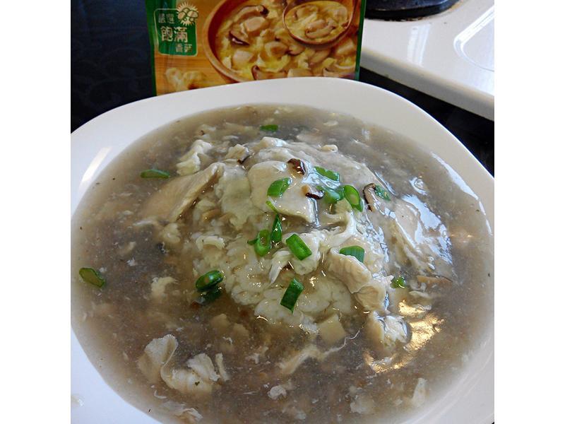 香菇雞肉燴飯【10分鐘湯麵粥康寶食譜】