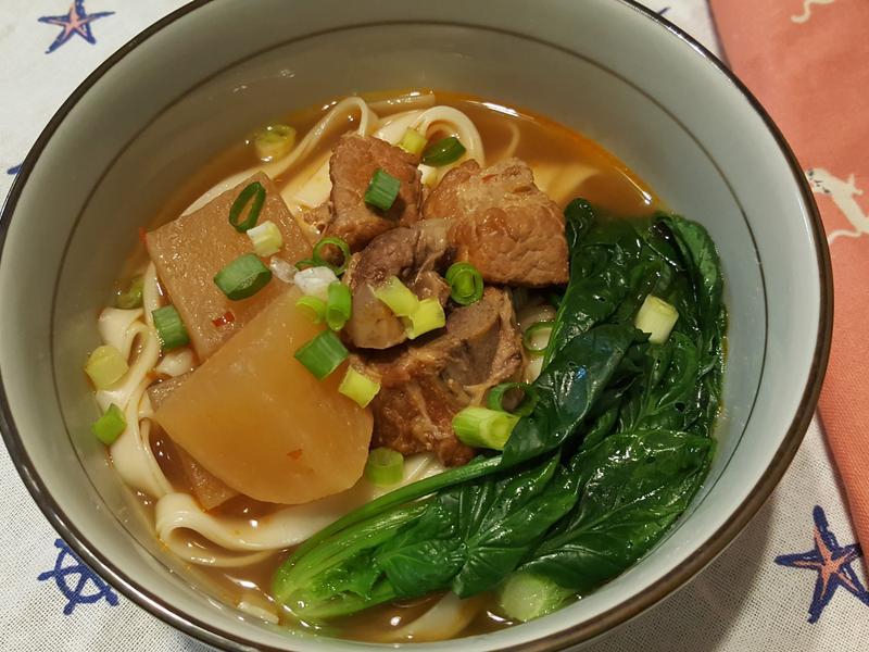 精燉蘿蔔排骨湯(麵,飯)
