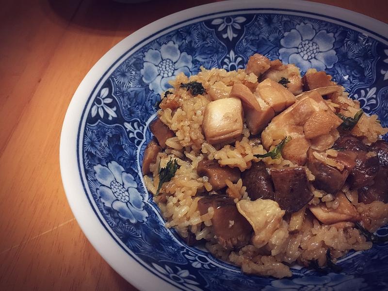 《香菇麻油雞丁炊飯》
