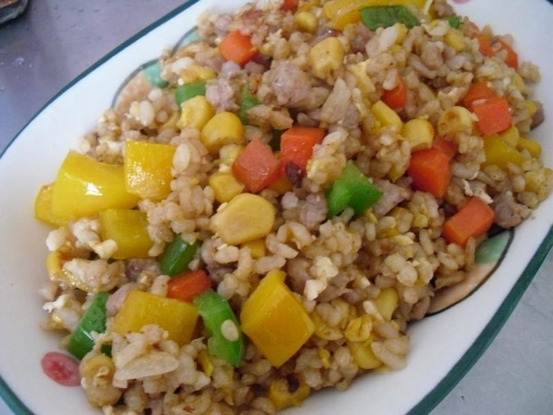 彩椒玉米炒飯