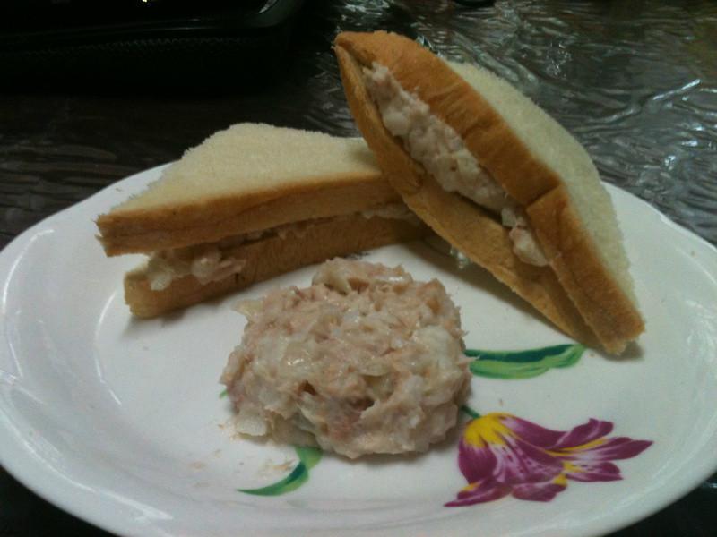 營養滿分鮪魚洋蔥馬鈴薯沙拉