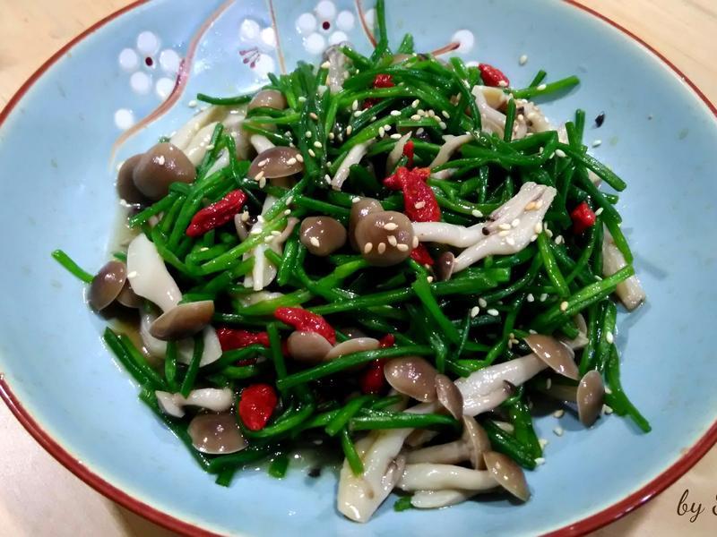 鴻喜菇炒水蓮