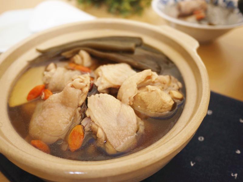 剝皮辣椒鮮雞湯【大同複合料理無水鍋】