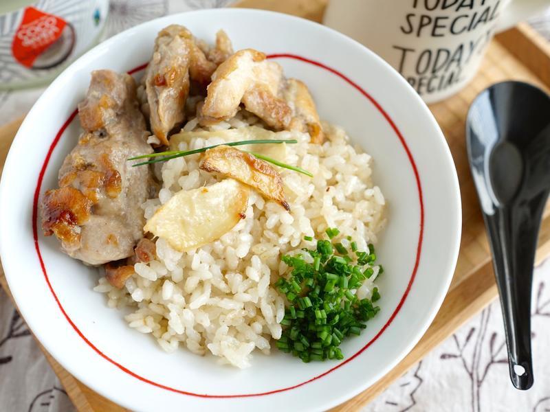 南洋風味椰子油香煎椰汁雞腿炊飯