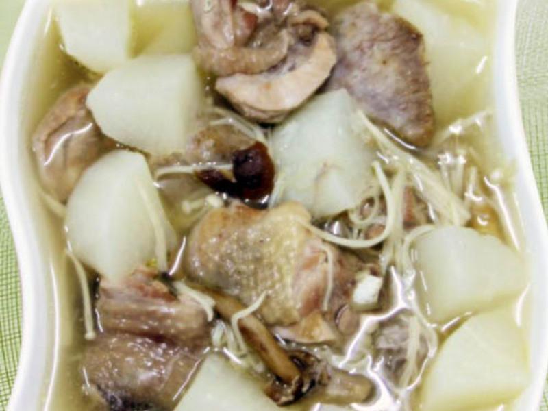 【厚生廚房】蘿蔔芋頭雞湯