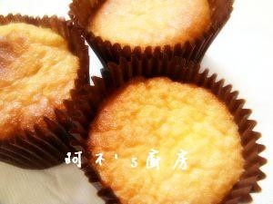 【阿不's廚房】小烤箱做杯子海綿蛋糕(另有大烤箱)---四種材料三步驟超簡單~