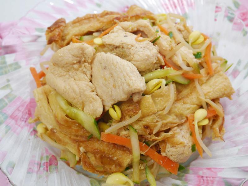 檸香雞片拌腐皮黃豆芽