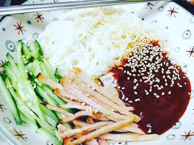 韓式辣拌涼麵線