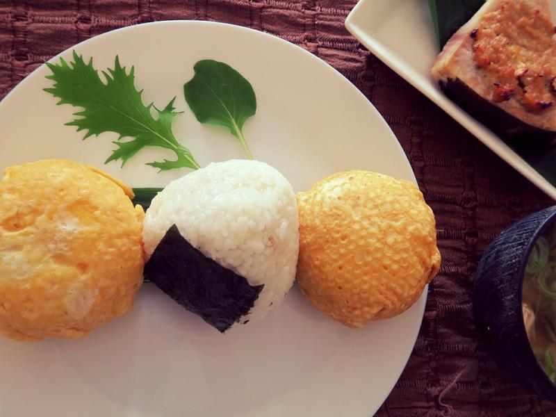 【醬油鰹魚風味】日式蛋皮飯糰