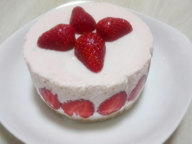 零廚藝超好吃草莓芝士蛋糕