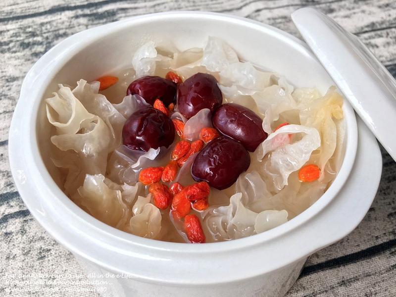 蒸健康寶寶鍋~『紅棗銀耳膠原湯』