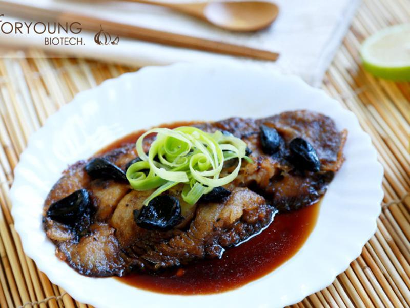 香煎格陵蘭鱈魚佐黑蒜醬