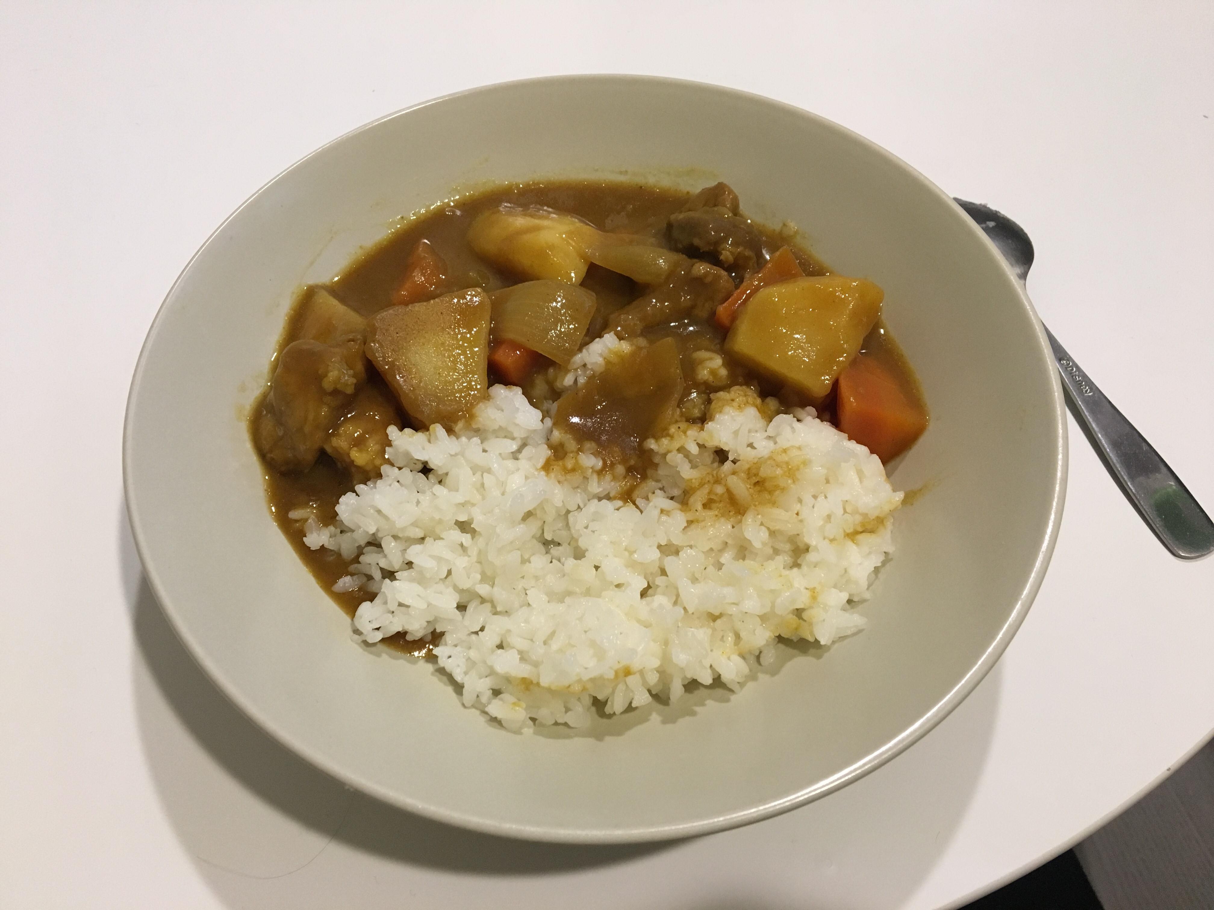 超簡單日式咖哩飯:馬鈴薯燉肉的姐妹