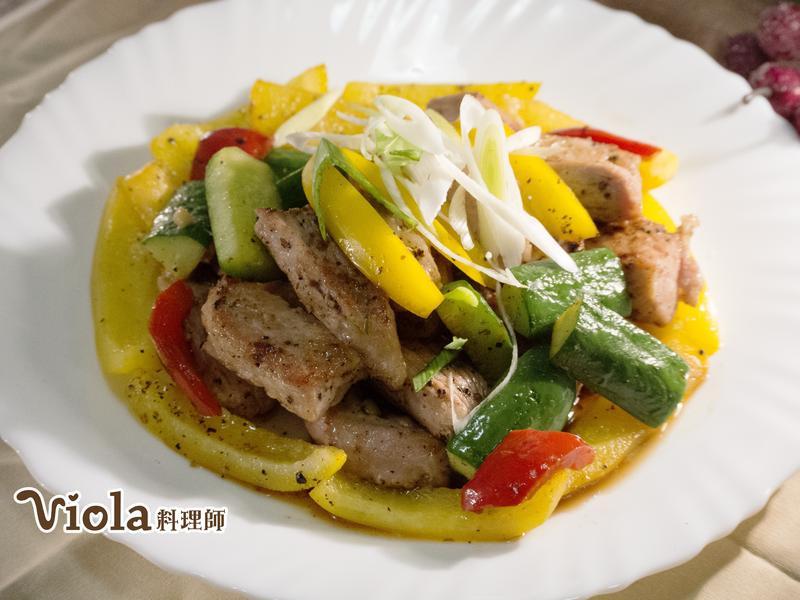 黑胡椒二層肉炒蔬食
