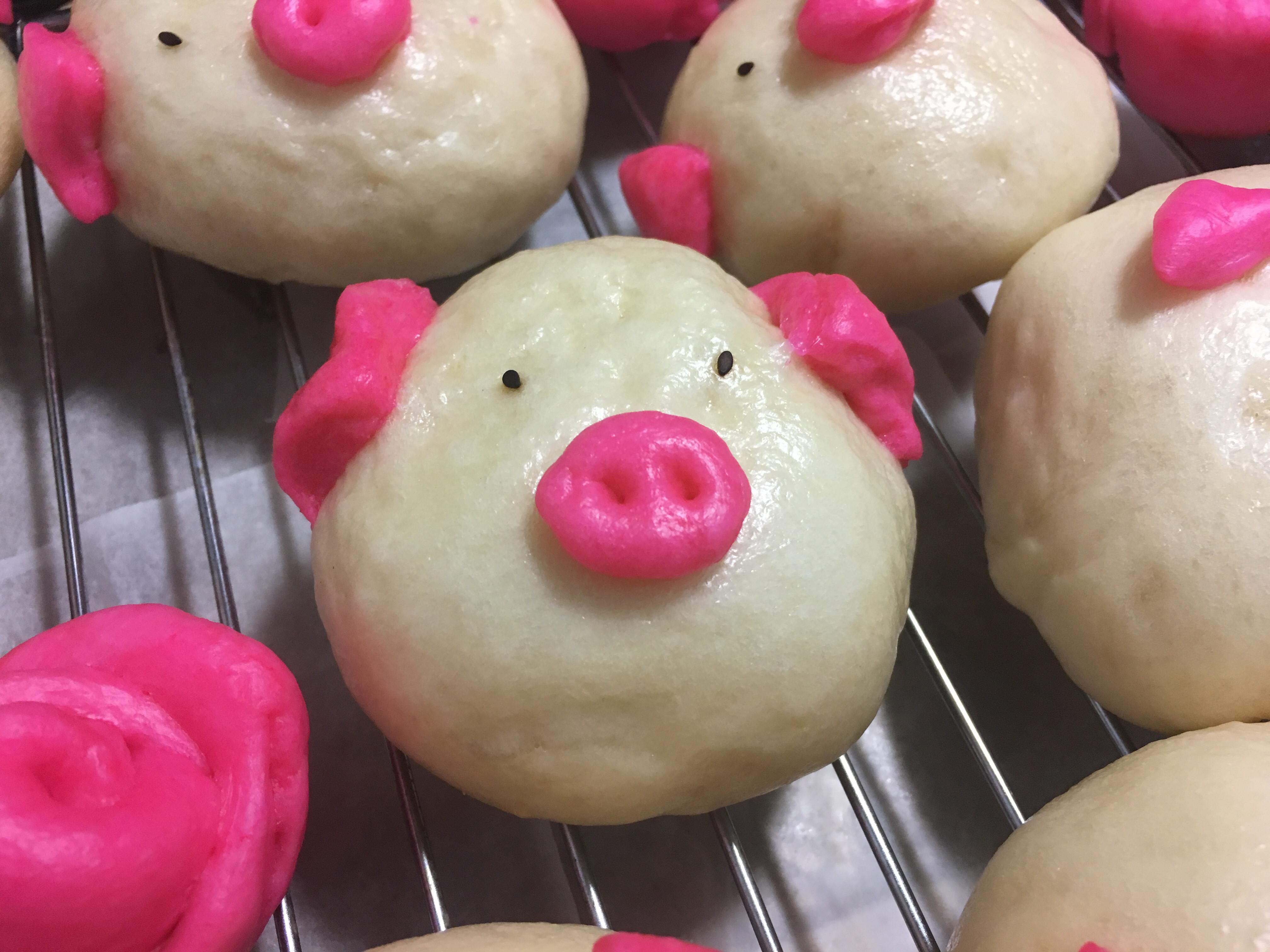 小豬豬 饅頭 。