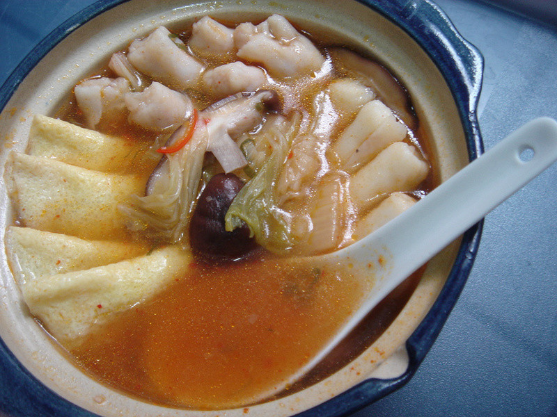菲個人煮義~桂冠三餃泡菜鍋