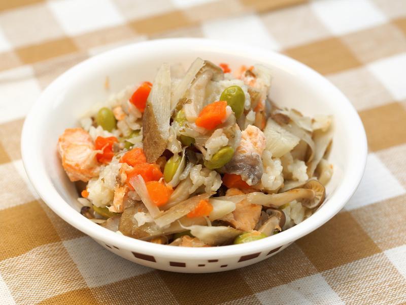 [月薪嬌妻] - 鮭魚毛豆炊飯