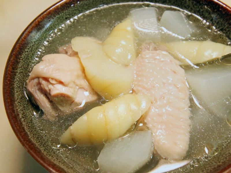 【厚生廚房】葛鬱金白蘿蔔雞湯
