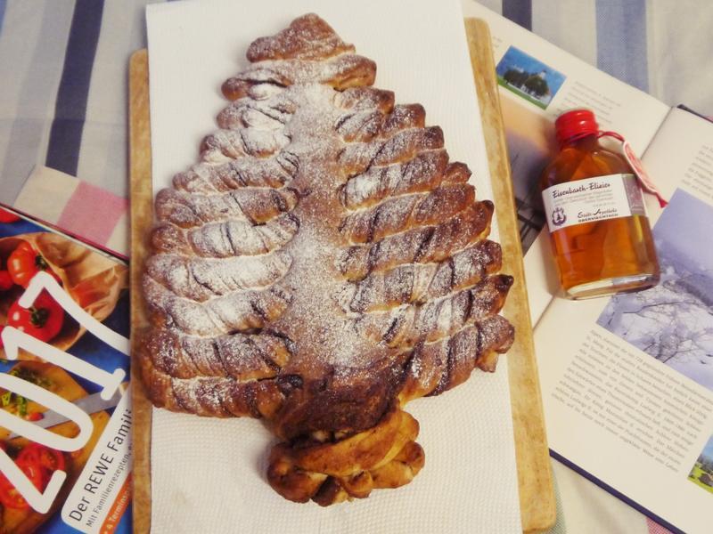 聖誕樹麵包佐能多益巧克力醬
