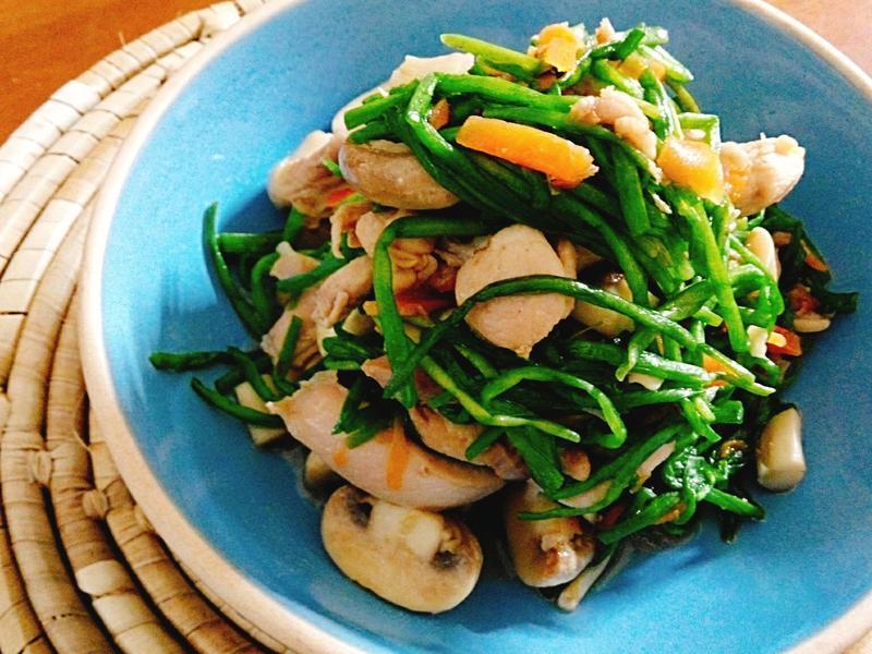 蒜香水蓮炒雞肉一超簡單,家常料理