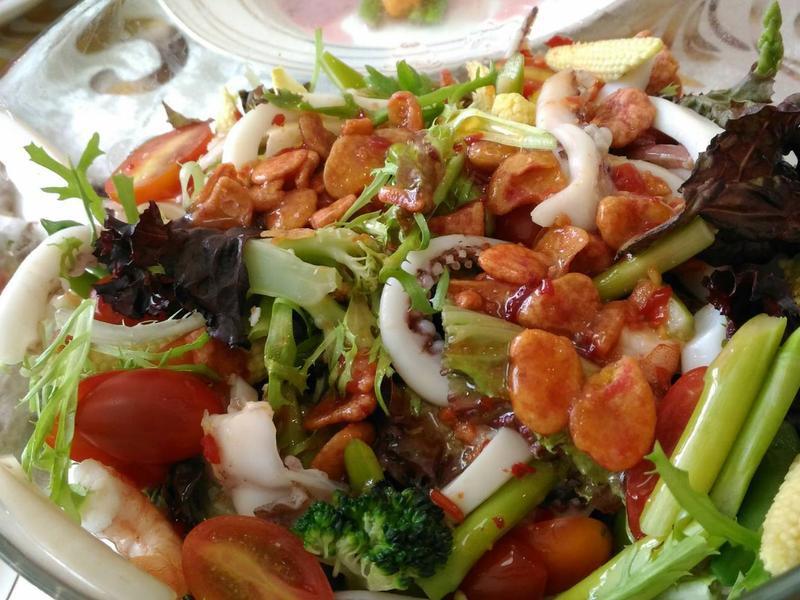 泰式海鮮沙拉🥗🥗🥦🥒🥑🍅🥕