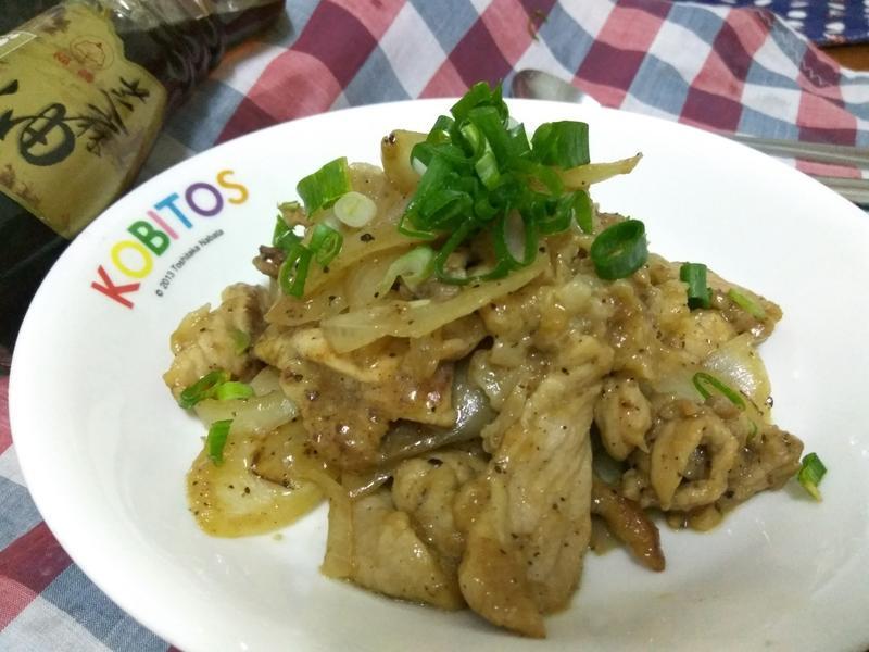 十分鐘洋葱黑胡椒豬片-福壽純芝麻油玩料理