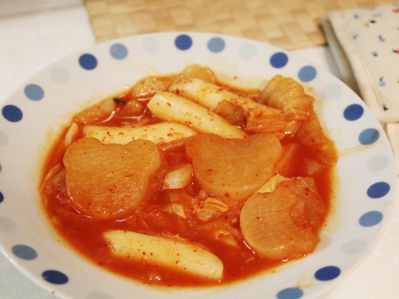 【廚房大小事】辣炒年糕+小熊蘿蔔