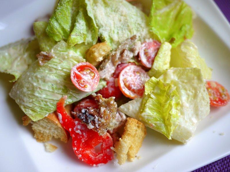 ♫下廚--香煎雞腿沙拉佐凱撒醬
