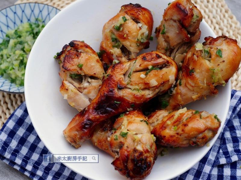 《鹽麴蔥油雞腿》